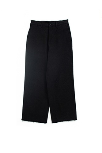 "BROWN YARD - Cut Off Pants ""Black"""